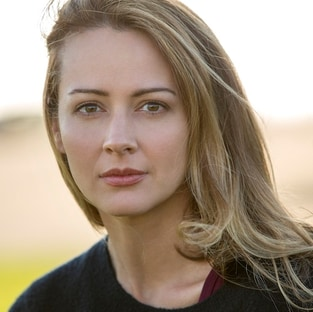 Caitlin Strucker Amy Acker The Gifted