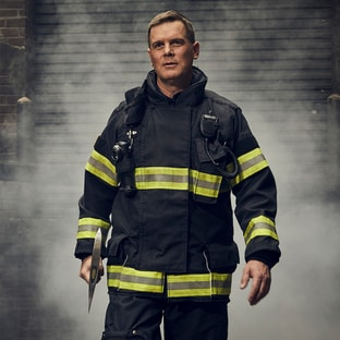 Bobby Nash Peter Krause 9-1-1